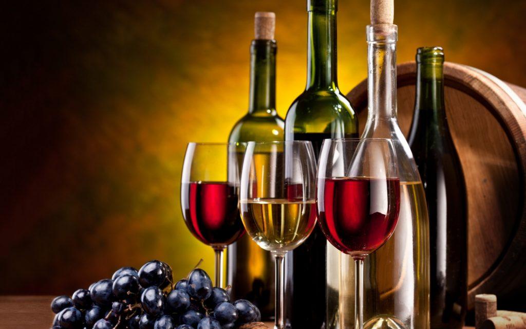 Mua rượu vang về làm quà