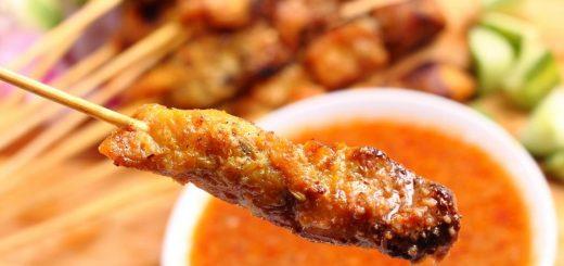 Thịt nướng là các món ăn vặt ở Đà Lạt không thể thiếu.