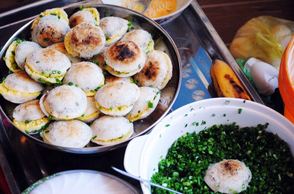 là món ăn sáng rất bình dị nhưng là nét đặc trưng của người dân Đà Lạt