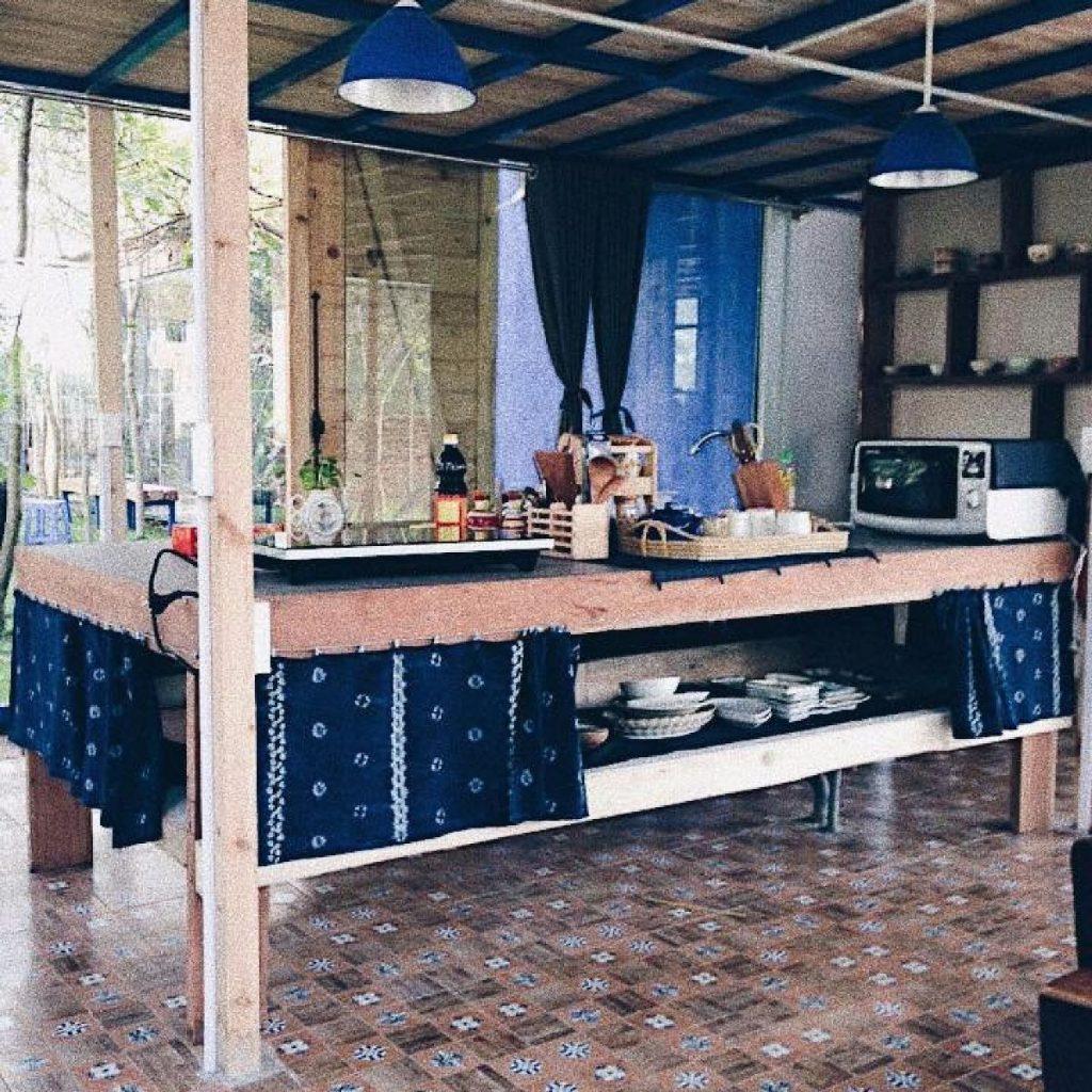 Căn bếp xinh xắn tiện nghi tại Phơri's House Mê Linh
