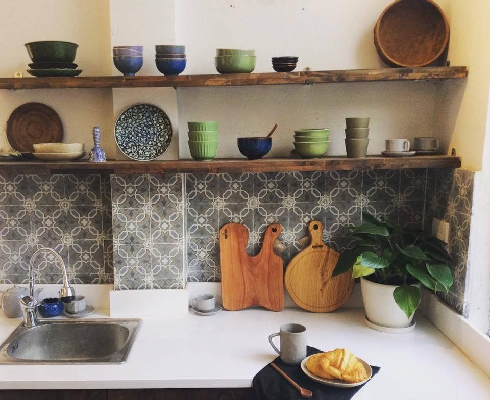 gian bếp nho nhỏ đầy đủ tiện nghi