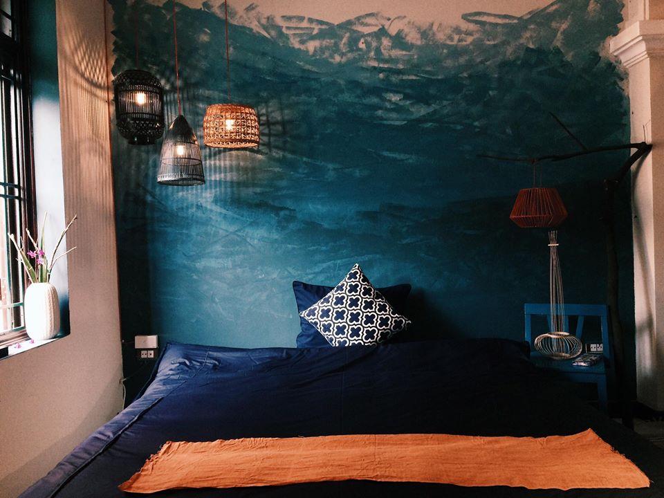 phòng ngủ với tông màu xanh giản dị