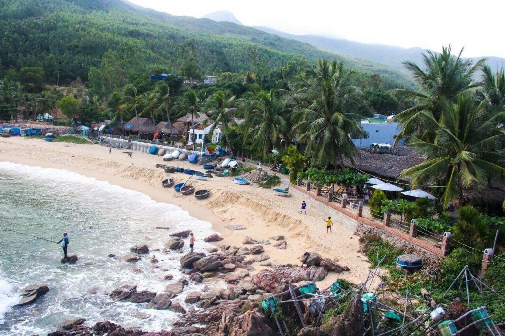 Life's Beach có view nhìn ra biển đẹp mê hồn