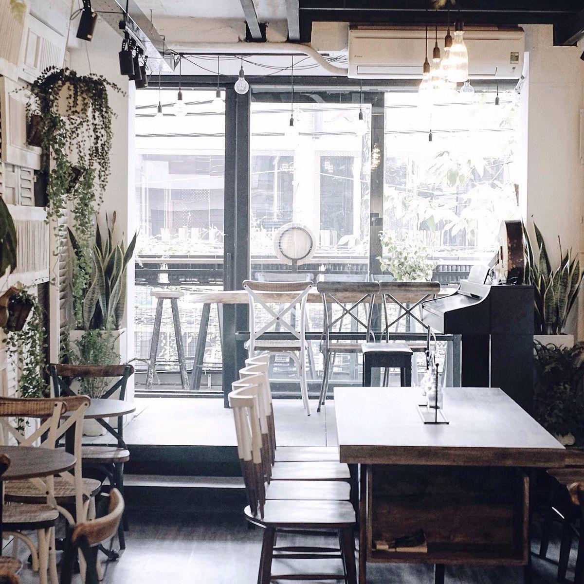 Li cà phê thơm ngon tại tầng lửng của The Laban