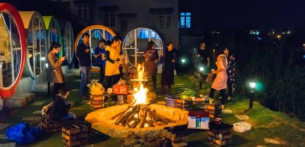 Đây là địa điểm lí tưởng để nhóm lửa cắm trại, tổ chức party ăn uống