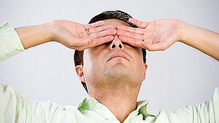 Tránh để mắt phải điều tiết quá nhiều