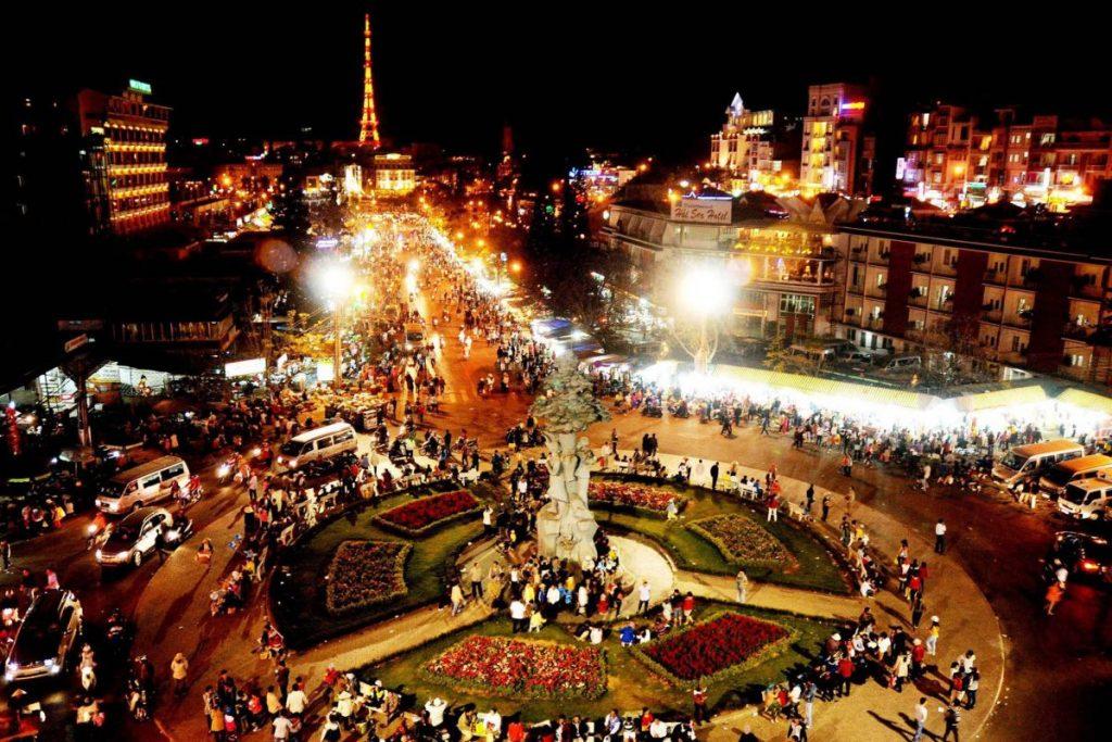 Chợ Âm Phủ nhộn nhịp nhất Đà Lạt về đêm