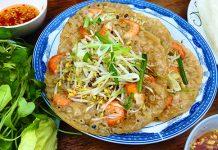 Món bánh xèo tôm nhảy nổi tiếng tại Quy Nhơn