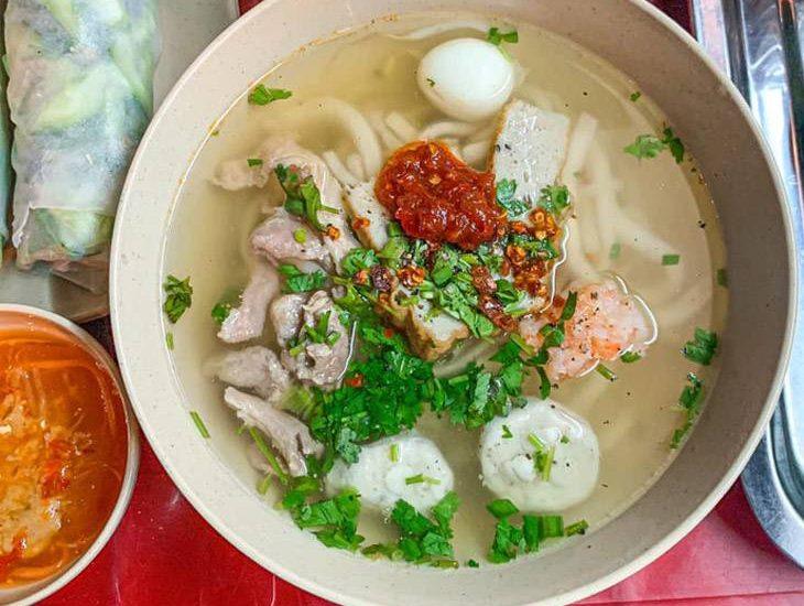 Bát bánh canh nóng hổi những ngày mùa mưa tại Quy Nhơn