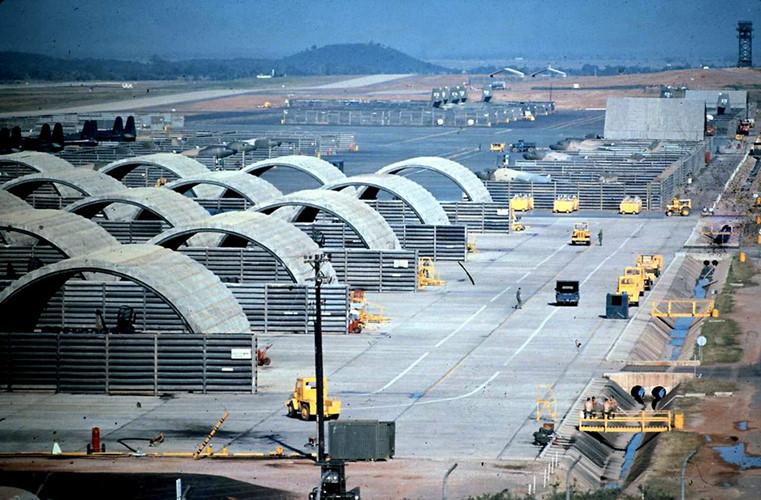 Hình ảnh sân bay Phù Cát ngày xưa